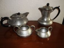 VINTAGE PEWTER TEAPOT COFFEE POT CREAM JUG & SUGAR BOWL CRAFTSMAN SHEFFIELD